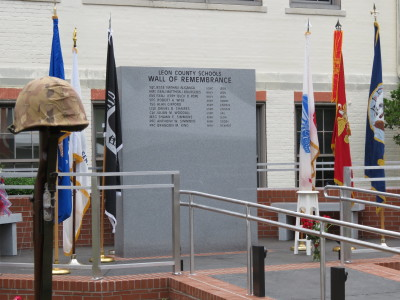 primary-LCS-Wall-of-Remembrance-Ceremony-1463674631