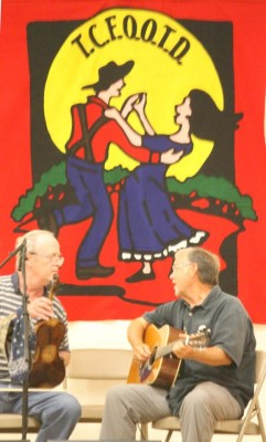 primary-Contra-Dance-with-live-music-1477510273