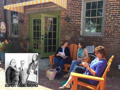 Thomasville's Knit in Public Day with the Fuzzy Goat