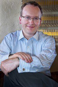 Fridays at Noon -- Iain Quinn, organist