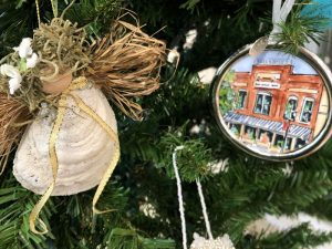 Holiday Open Houses in Quincy and Last Day to view...