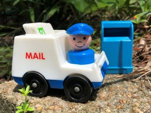 Artfelt Ways to Thank Your Mail Carrier on September 24, Appreciation Day!